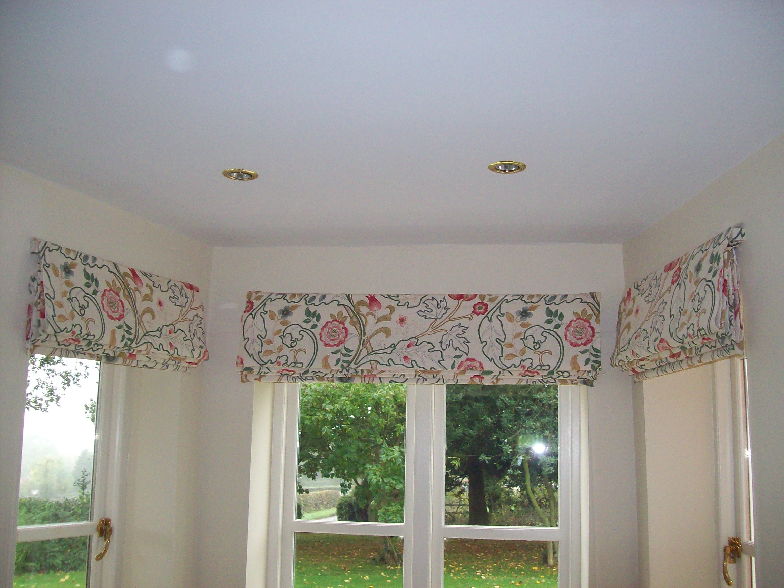Beautiful blinds in a bay